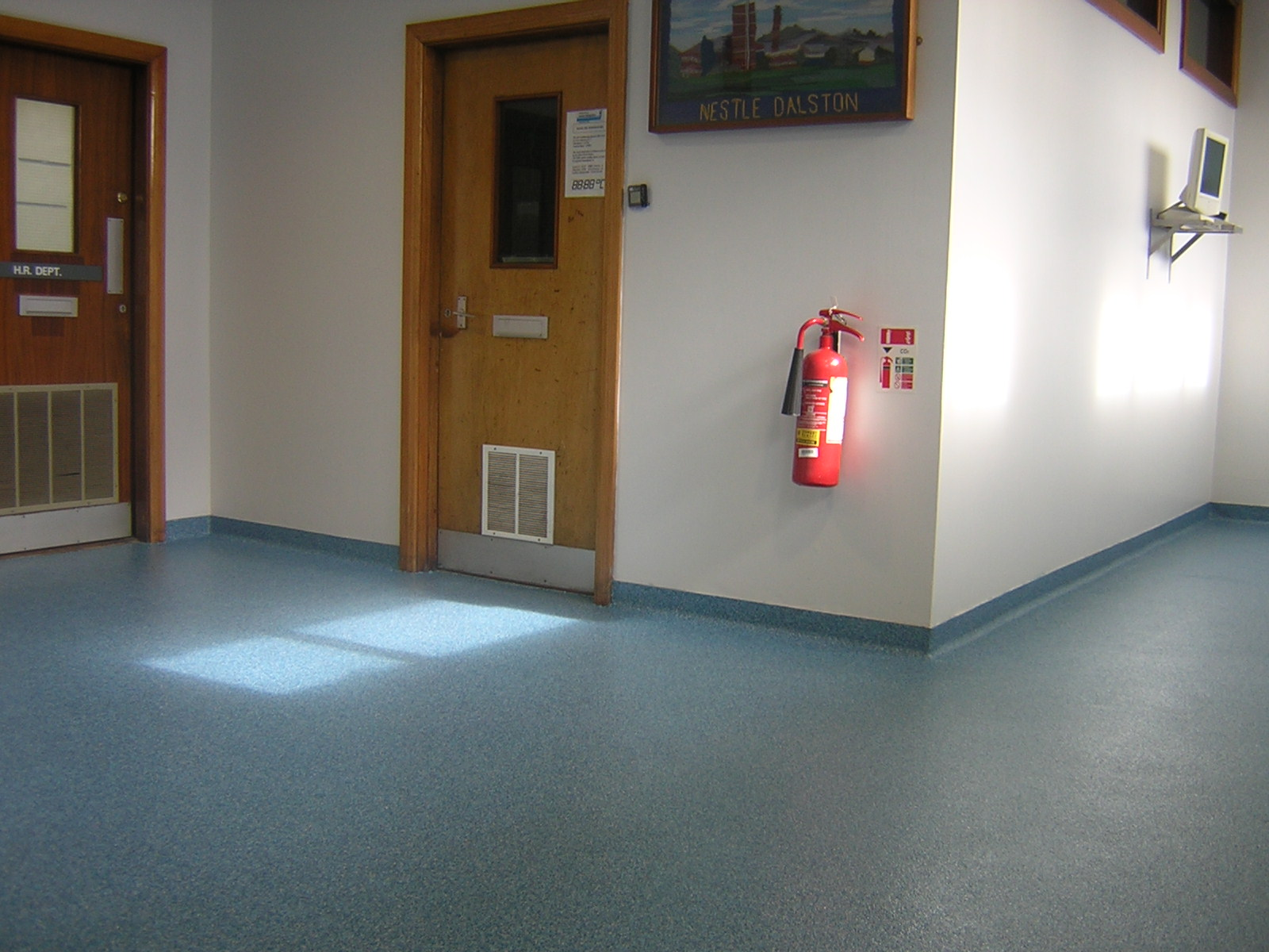 Non-slip resin floor and cove
